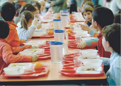 A scuola mangiano