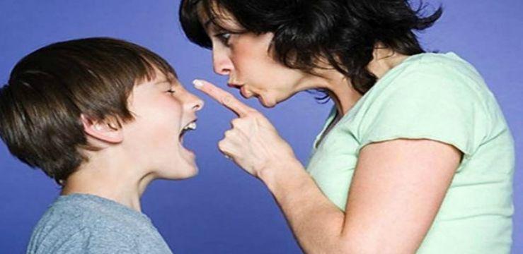 mamma-sgrida-figlio