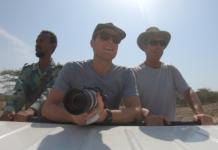 Turisti curiosi con Bob e Mack